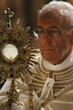 pope-francis-blessed-sacrament