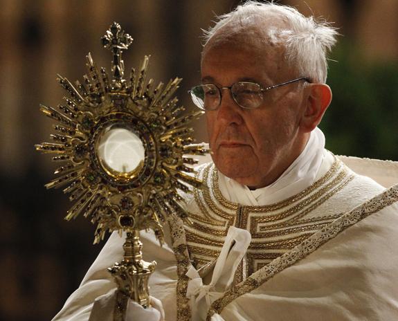 Đức Thánh Cha chủ sự chầu Thánh Thể hoàn vũ